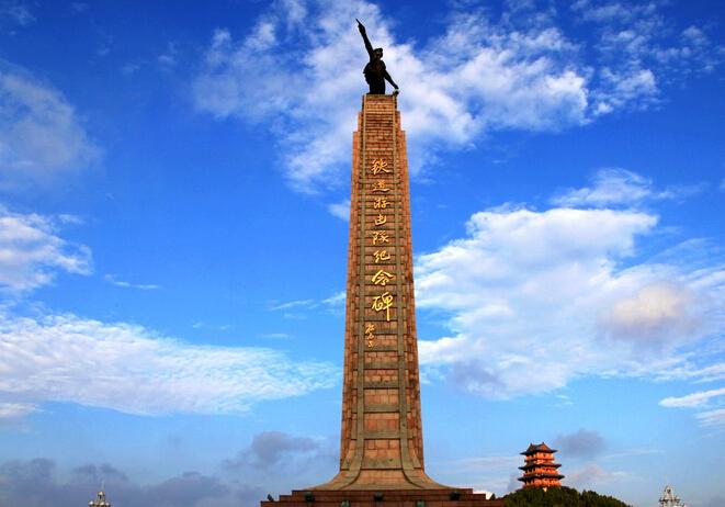第二天早餐后赴薛城游览中国北方最大民国时期影视基地--【铁道游击队影视城】