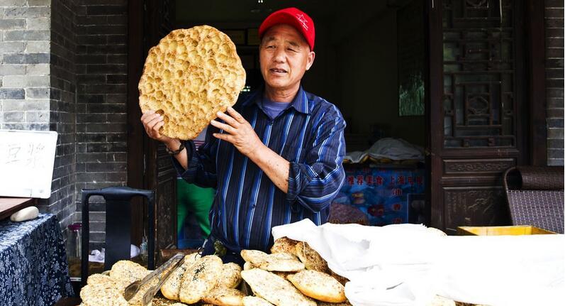 台儿庄古城运河石头大饼
