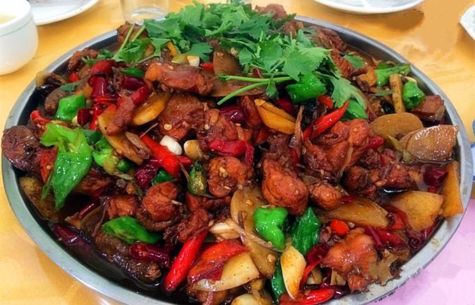 台儿庄特色小吃大全--枣庄辣子鸡