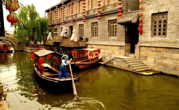 古城台儿庄里头还有游船吗