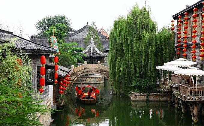 趵突泉周边的旅游景点台儿庄古城