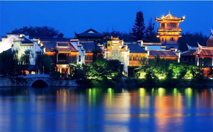孟良崮附近一日游景点台儿庄古城