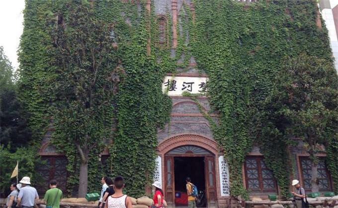 大明湖附近一日游景点台儿庄古城