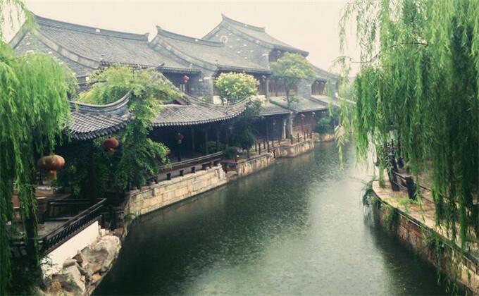 临沂大峡谷周边的旅游景点台儿庄古城