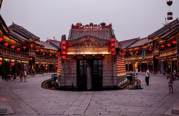 台儿庄古城不同建筑风格的台儿庄古城住宿酒店预定