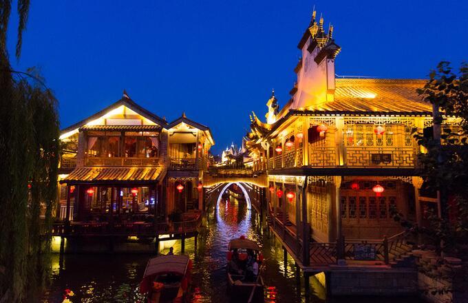 北京游台儿庄古城夜景必去的景点